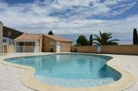 Villa in France, Portiragnes: Cool off in the shared pool