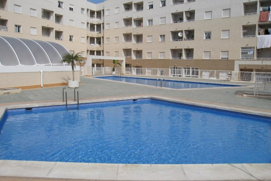 Owners abroad 1 bedroom apartment close to the sea