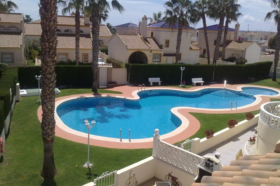Villa in Spain, Playa Flamenca : Pool view from roof terrace
