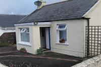 Cottage in Ireland, Ballycotton: Front View