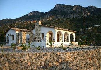 Villa in Cyprus, Karsiyaka: North Shore Villa with mountainside location