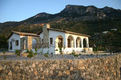 Villa in Cyprus, Karsiyaka: North Shore Villa with mountainside location