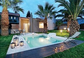 3 guest luxury villa in Crete