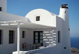 3 guest villa in Santorini