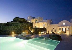 5 guest villa in Santorini