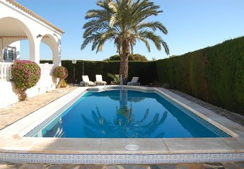 4 bedroom Villa for rent in Villamartin