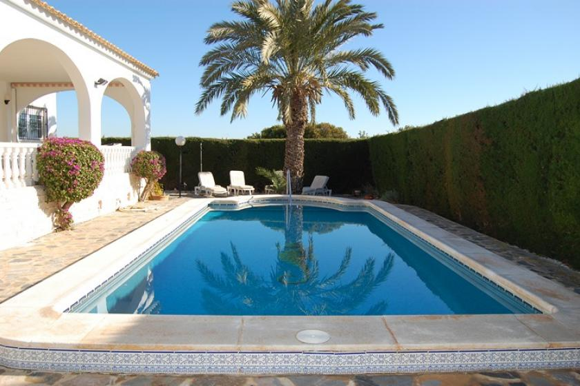 Villa To Rent In Villamartin Spain With Private Pool 48598