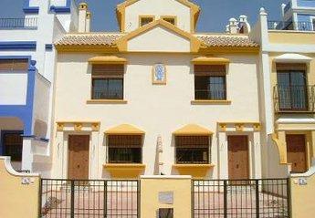 Villa in Spain, San Javier: Townhouse exterior