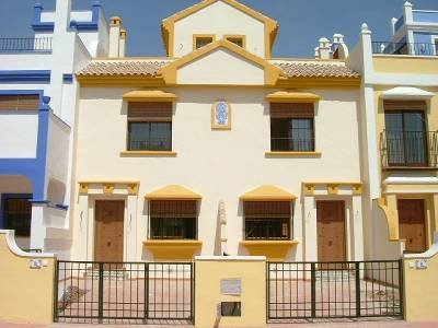 Townhouse close to beach and golf