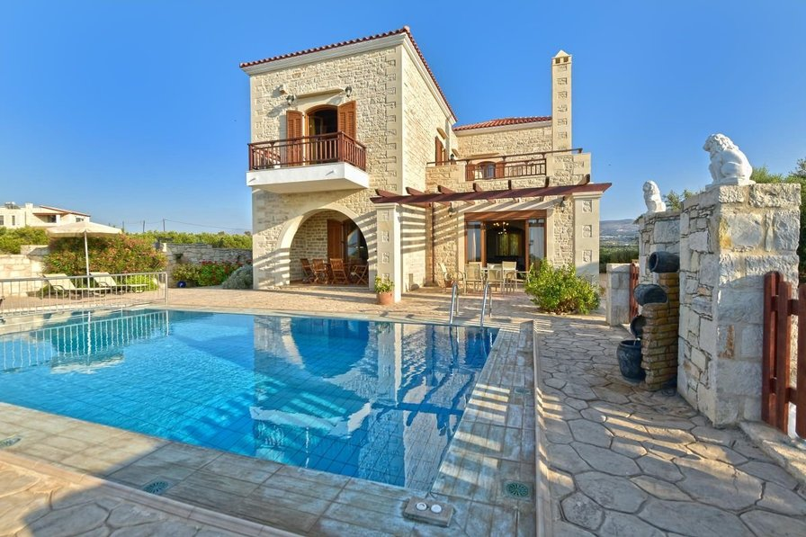 Villa in Greece, Asteri