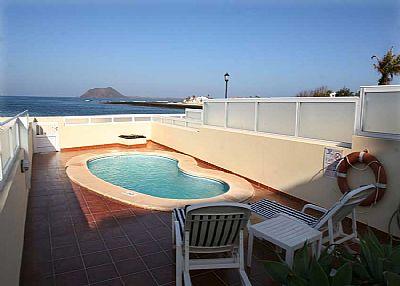 Villa in Spain, Corralejo Playa: Private pool with view