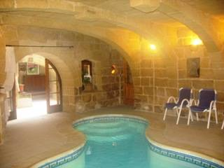 Farm house in Malta, Gharb: Heated Indoor Pool