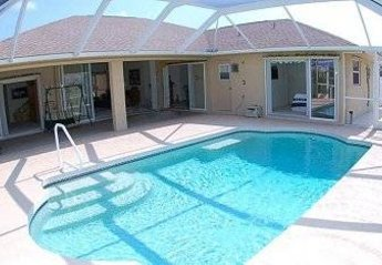 Villa in USA, White Marsh: South facing, so sun all day!