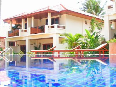 Apartment in Thailand, Bangrak: Palm View Apartment 9 from view across swimming pool