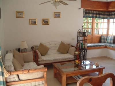 Villa in Spain, La Caleta: The villa is beautifully furnished