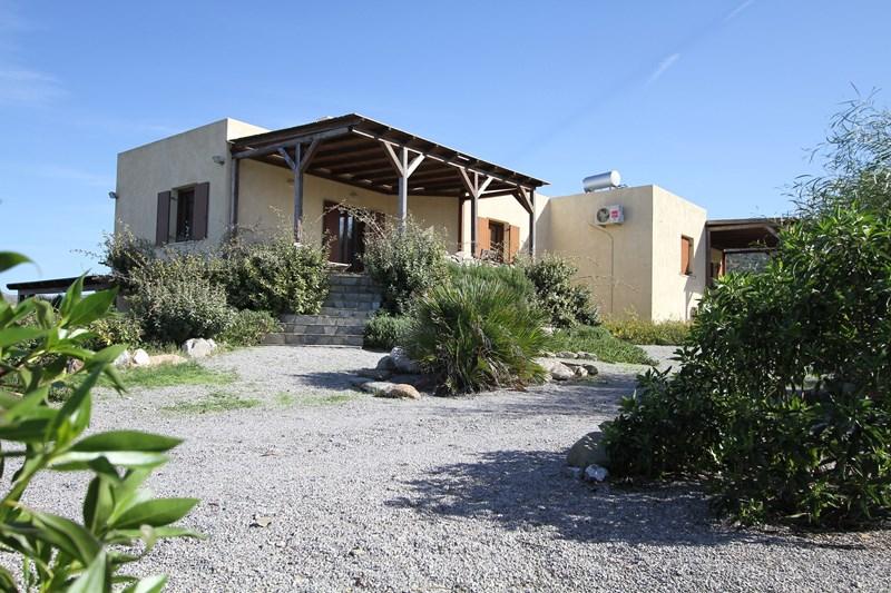 Villa in Greece, Sitia: View of the villa from the garden