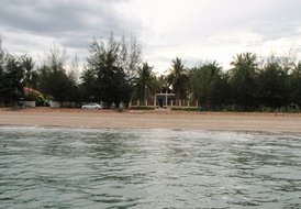 PRANBURI  BEACH FRONT HOUSE