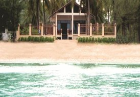 PRANBURI  BEACH FRONT HOUSES  WITH UNINTERUPTED SEA VIEWS & POOL