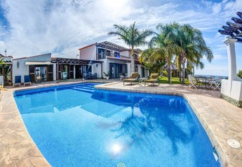 6 bedroom Villa for rent in Amarilla Golf