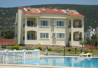 Apartment in Turkey, Akbuk: The apartment is wonderfully positioned overlooking the upper pools
