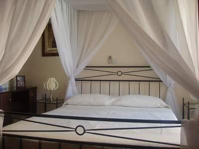 Villa in Cyprus, Tochni: BEDROOM 2