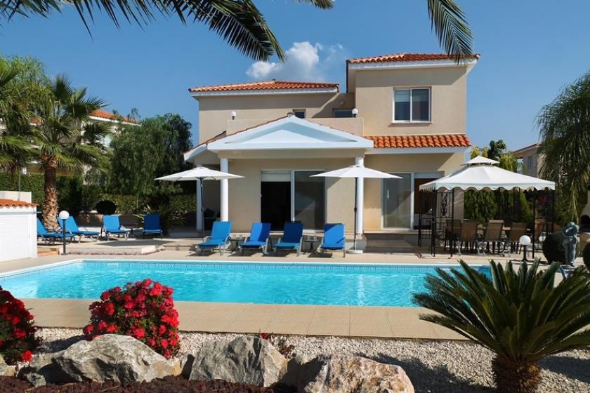 Villa To Rent In Peyia Cyprus With Private Pool 51673