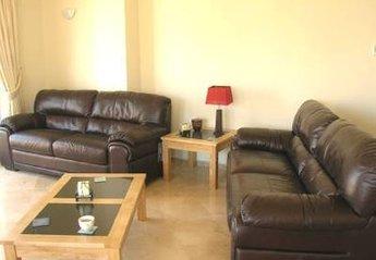 Apartment in Spain, Punta de Calahonda: The living area.