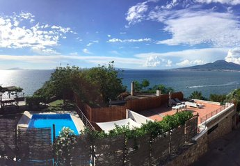 Villa in Italy, Vico Equense: Panoramic arial view of the property!