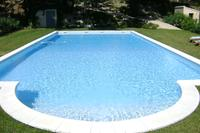 Villa in France, Saint-Rémy-de-Proven: Huge 14 x 7 m pool with saline filtration and maintained w..