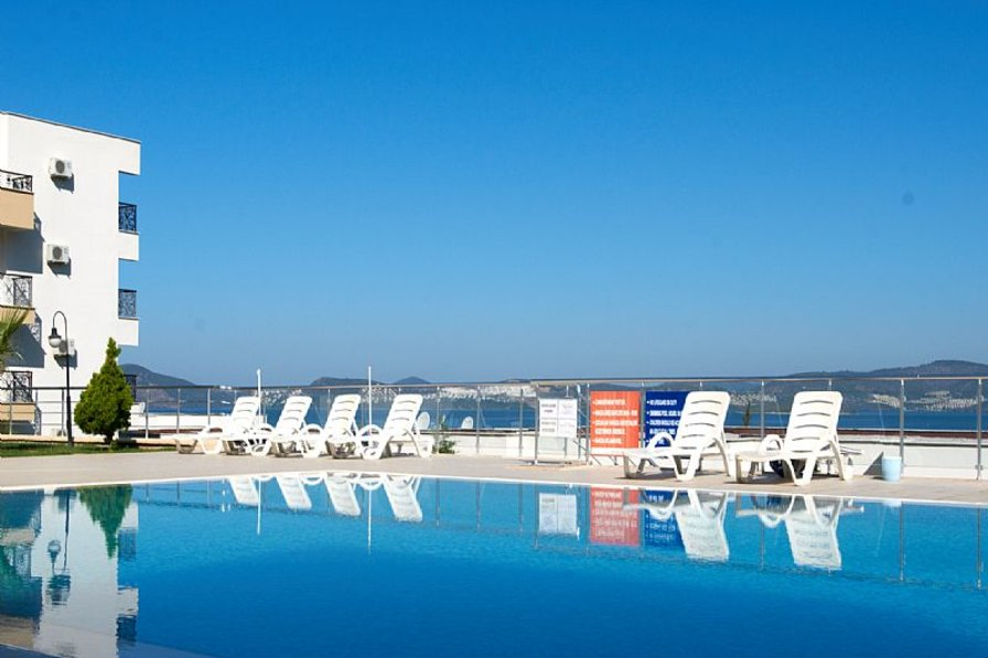 Apartment in Turkey, Milas: Pool with panoramic view of bay