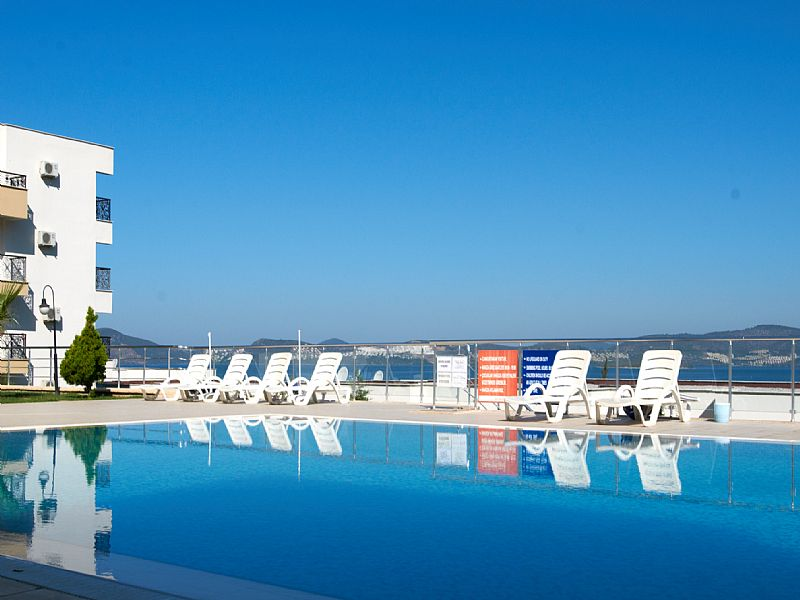 Apartment in Turkey, Gulluk: Pool with panoramic view of bay