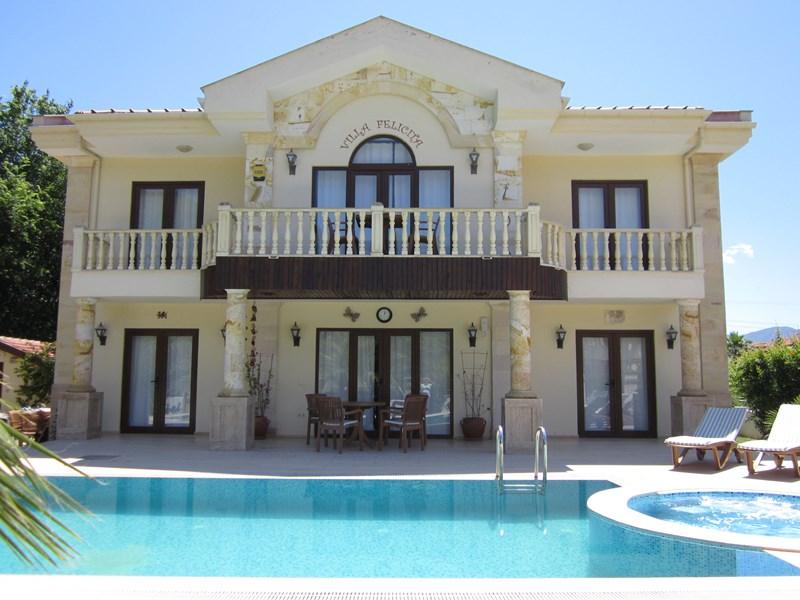 Villa in Turkey, Dalyan: Front View