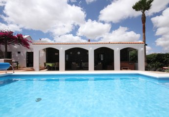 Finca in Spain, Guime: heated pool & large covered terrace