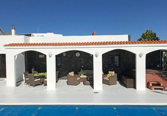 Finca in Spain, Güime: covered terrace for al fresco dining & relaxing with jacuzzi