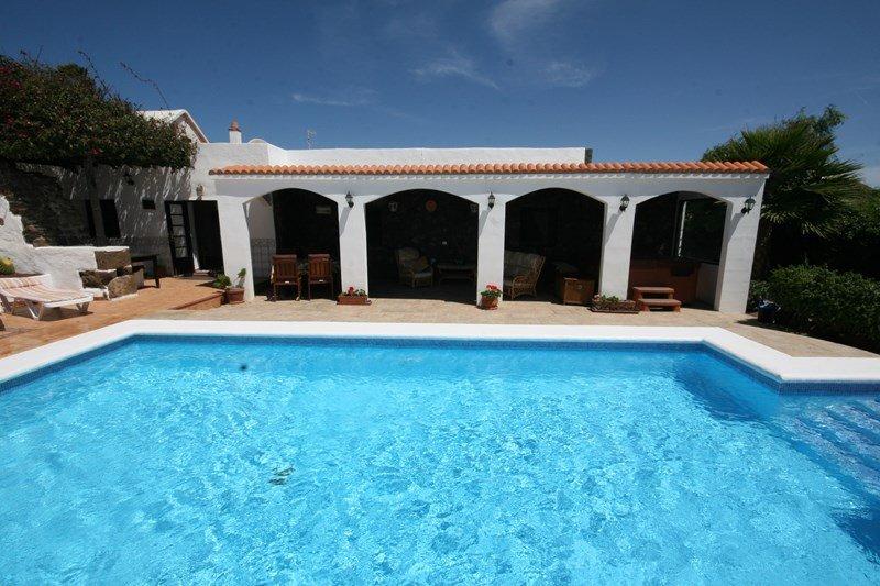 Finca in Spain, Güime: Heated pool and terrace