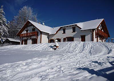 Villa in Czech Republic, LIPNO NAD VLTAVOU: Villa Victoria - outside view Winter