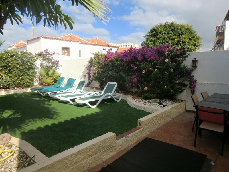 Villa in Spain, Playa de las Americas: Lovely sunny garden terrace