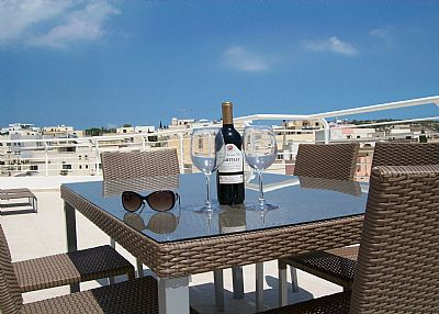 Penthouse apartment in Malta, Marsascala: Stunning 110 ft terrace