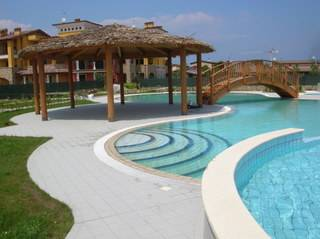 Apartment in Italy, Sirmione: The fabulous pool with Jaccuzi