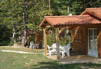 2 bedroom Chalet for rent in Brossac