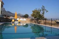Villa in Cyprus, Arapkoy: 10m x 5m Swimming Pool