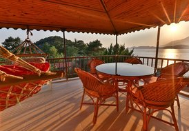VILLA DUNDAR | Family Apartment With Sea View (4 adults)