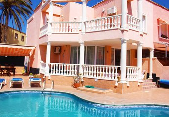 5 bedroom Villa for rent in Los Cristianos