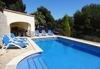 4 bedroom Villa for rent in Begur
