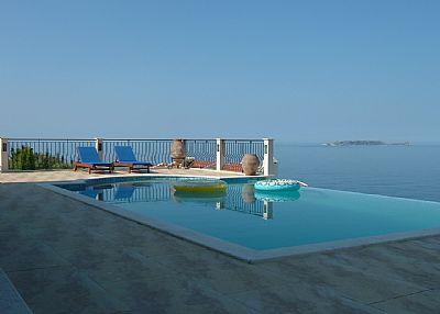 Villa in Turkey, Kas: Pool view towards sea