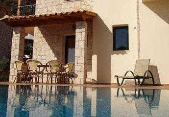 Villa in Greece, Koutouloufari: .