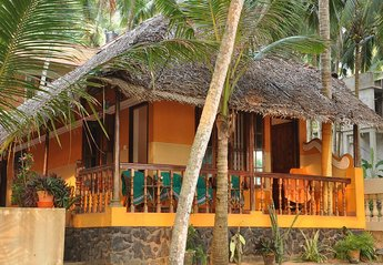 Villa in India, Kovalam: front villa
