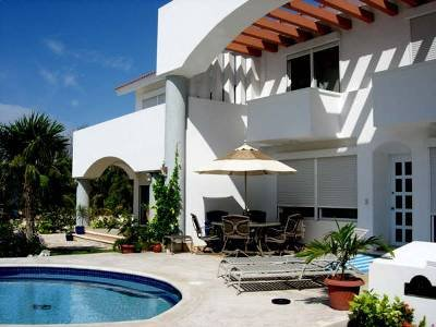 5 BDR VILLA~Steps to Beach~Lowest price in area