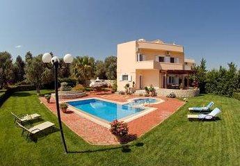 Villa in Greece, Perama: .