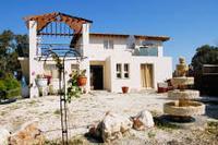 Villa in Cyprus, Argaka: Christiana Beach Villa